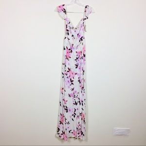 NWT Flynn Skye Bella Maxi Dress in Scattered Roses